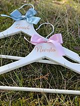 Nábytok - Svadobné vešiaky ružovomodré - 11624490_