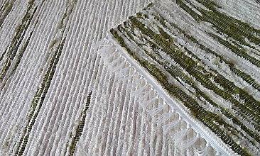 Úžitkový textil - Koberček so zelenou bordúrou - 11621924_