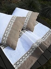 Úžitkový textil - Ľanový vankúš s dvojfarebnou krajkou - 11622990_