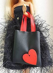 Hračky - Koženková kabelka so srdiečkom pre Barbie - 11623402_