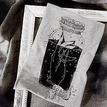 """Tričká - Sivé dámske tričko """"Zaváraná ruka"""" - 11628831_"""