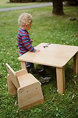 Nábytok - Detská stolička pre začínajúcich sediacich a stolujúcich - 11625515_