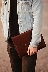 Kožené puzdro na tablet / notebook NOMAD Leather bordové