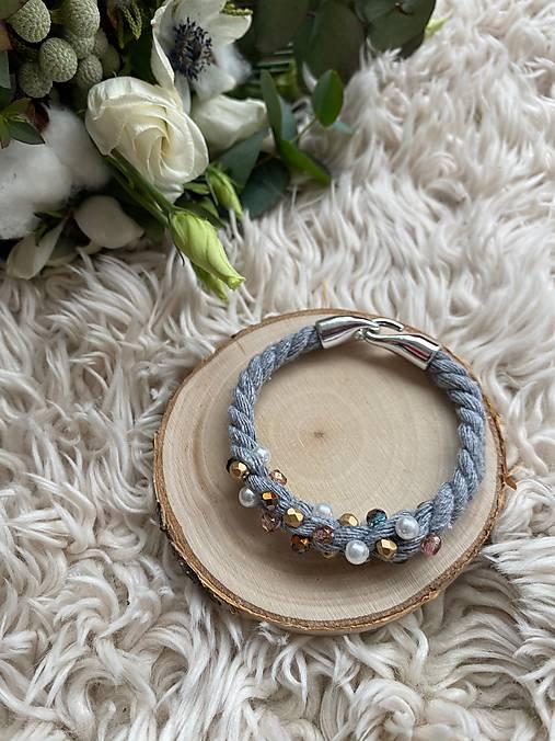 Pošitý perlami - náramek