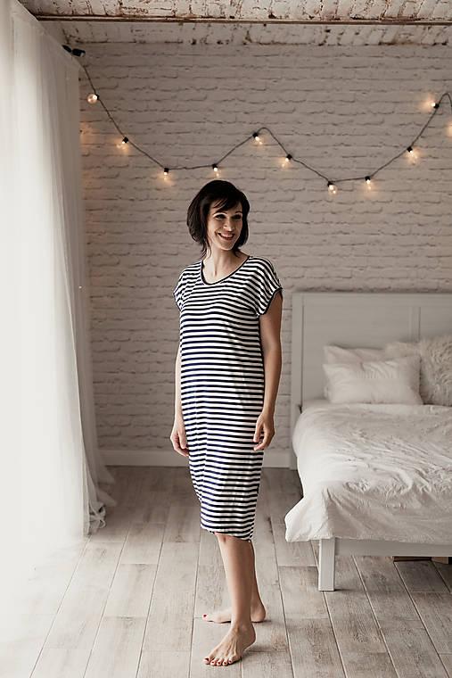 Šaty - Voľné šaty krátky rukáv bambusové pásiky - 11626697_