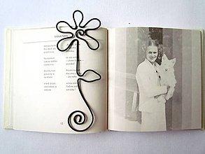 Papiernictvo - Záložka do knihy (14 až 16 cm) - 11627134_