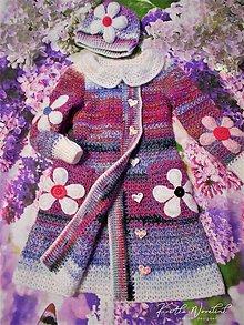 Detské oblečenie - Detský kabátik s vačkami a golierikom vo farbe orgovánu - 11633605_