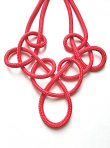 Náhrdelníky - PoPletený náhrdelník Sára - červený - 11634043_