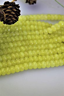 Minerály - jadeit korálky 5x8mm AKCIA! - 11636914_