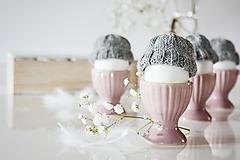 Dekorácie - Veľkonočná dekorácia - pletená čiapočka - 11636012_