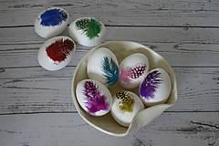Dekorácie - Kraslica Veselá perlička (Zelená) - 11636575_