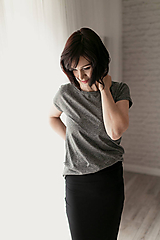 Tričká - Voľné triko s krátkym rukávom bambusové tmavo-šedý melír - 11635781_
