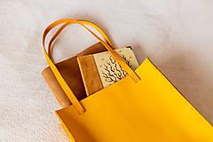 Veľké tašky - Ručne šitá kožená kabelka Sunny - 11639525_