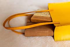 Veľké tašky - Ručne šitá kožená kabelka Sunny - 11639526_