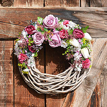 Dekorácie - Veniec s ružami - 11638343_