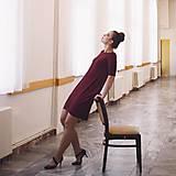 Šaty - Šaty Contrasting line (burgundy) 3/4 rukáv - 11638441_