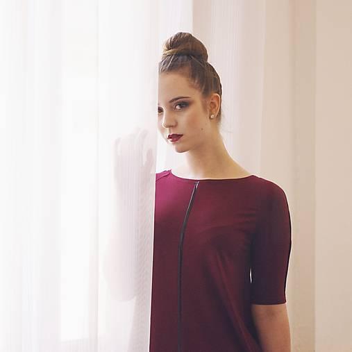 Šaty - Šaty Contrasting line (burgundy) 3/4 rukáv - 11638443_
