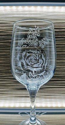 Nádoby - Gravírovaná čaša ruža - 11640519_