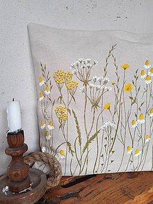 Úžitkový textil - Vankúš - lúka - 11640865_