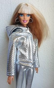 Hračky - Strieborná bunda s kapucňou pre Barbie - 11643548_