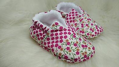 Detské topánky - Capačky kvietky novorodenecké - 11644161_
