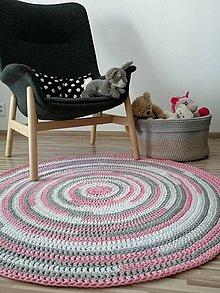 Úžitkový textil - Koberec farebný háčkovaný - 11640996_