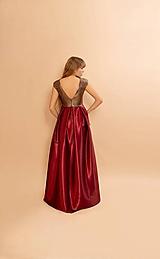Šaty - Krásne šaty s odhaleným chrbtom a rázporkom - 11646362_