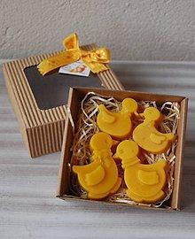 Dekorácie - Veľkonočná krabička (kačičky) - 11645198_
