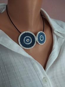 Náhrdelníky - Bielomodrý náhrdeľník - 11646550_