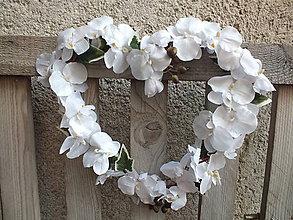 Dekorácie - Srdce z orchideí - 11646850_
