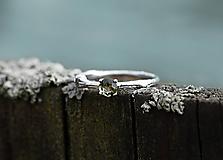 Prstene - Vetvička s vltavínom v bielom zlate - 11650614_