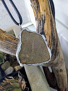 Náhrdelníky - Náhrdelník /pieskovec v cíne (Tiffany) - 11650246_
