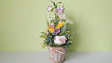 Dekorácie - Vesela jarna dekoracia v kosicku - 11649614_
