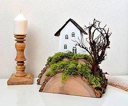 Dekorácie - Drevená dekorácia-Kopček,stromček,na kopčeku domček - 11653151_