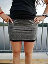 Sukne - Šitá sukně ještěrky na šedé - 11652138_
