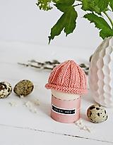 Dekorácie - Veľkonočná dekorácia - pletená čiapočka II - 11659949_