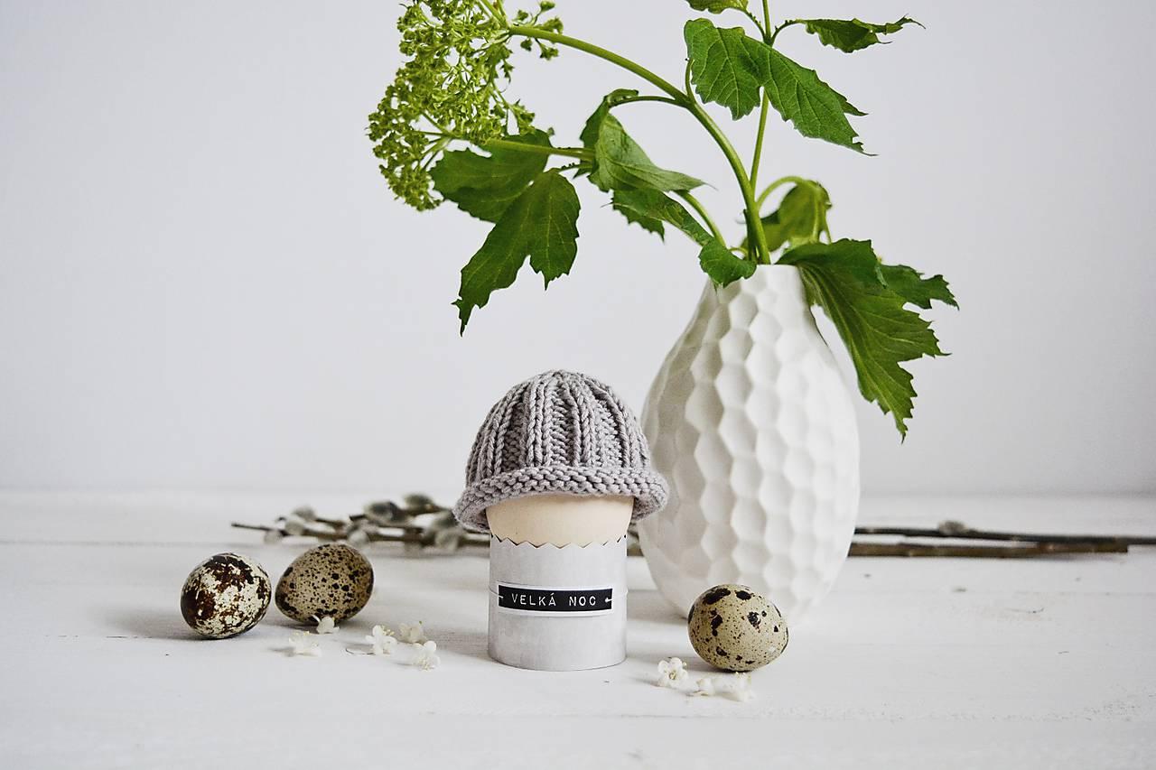 Veľkonočná dekorácia - pletená čiapočka II