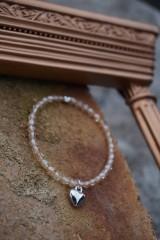 Náramky - Náramok Krystal listr so srdiečkom - 11662112_