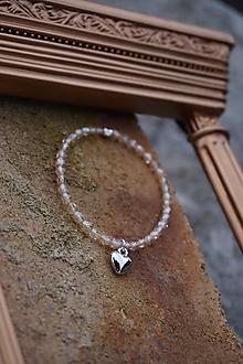 Náramky - Náramok Krystal listr so srdiečkom - 11662115_
