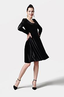 Šaty - Šaty s kruhovou sukňou zamatové čierne - 11662901_