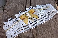 svadobný podväzok Ivory + zlatá mašlička