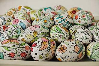 Dekorácie - husacie vajíčka /kvietky a motýle - 11664443_