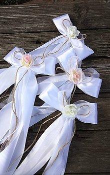 Dekorácie - Mašličky na svadobnú dekoráciu - 11669024_