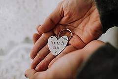 Kľúčenky - Prívesok na kľúče Ľúbim ťa taaakto veľmi - 11666262_