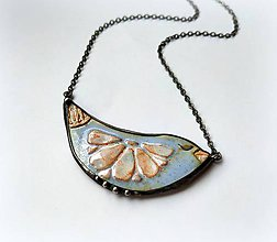Náhrdelníky - Cínový šperk s keramikou -Vtáčik jemný, zasnívaný - 11666483_