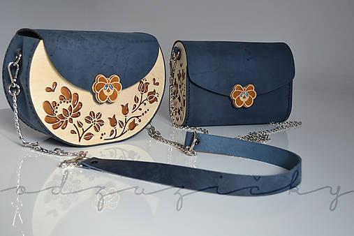 Drevená folk kabelka kožená Dorka a kvety exkluzív Odzuzičky (Modrá s popruhom)