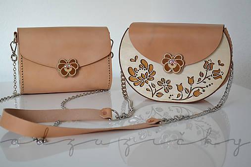 Drevená folk kabelka kožená Dorka a kvety exkluzív Odzuzičky (Béžová s popruhom)