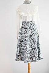 """- """"Upcy"""" áčková sukňa s kvietkami  - 11669156_"""