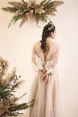 Šaty - Svadobné šaty v páse na gumičku, dlhý tylový rukáv, telové podšitie na ramienka - 11671959_