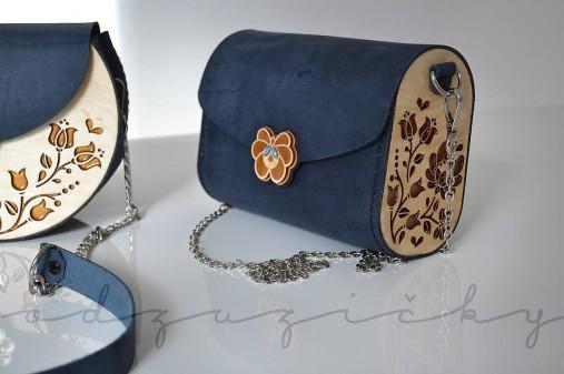 Drevená folk kabelka kožená Dorka a kvety Odzuzičky (Bordová)